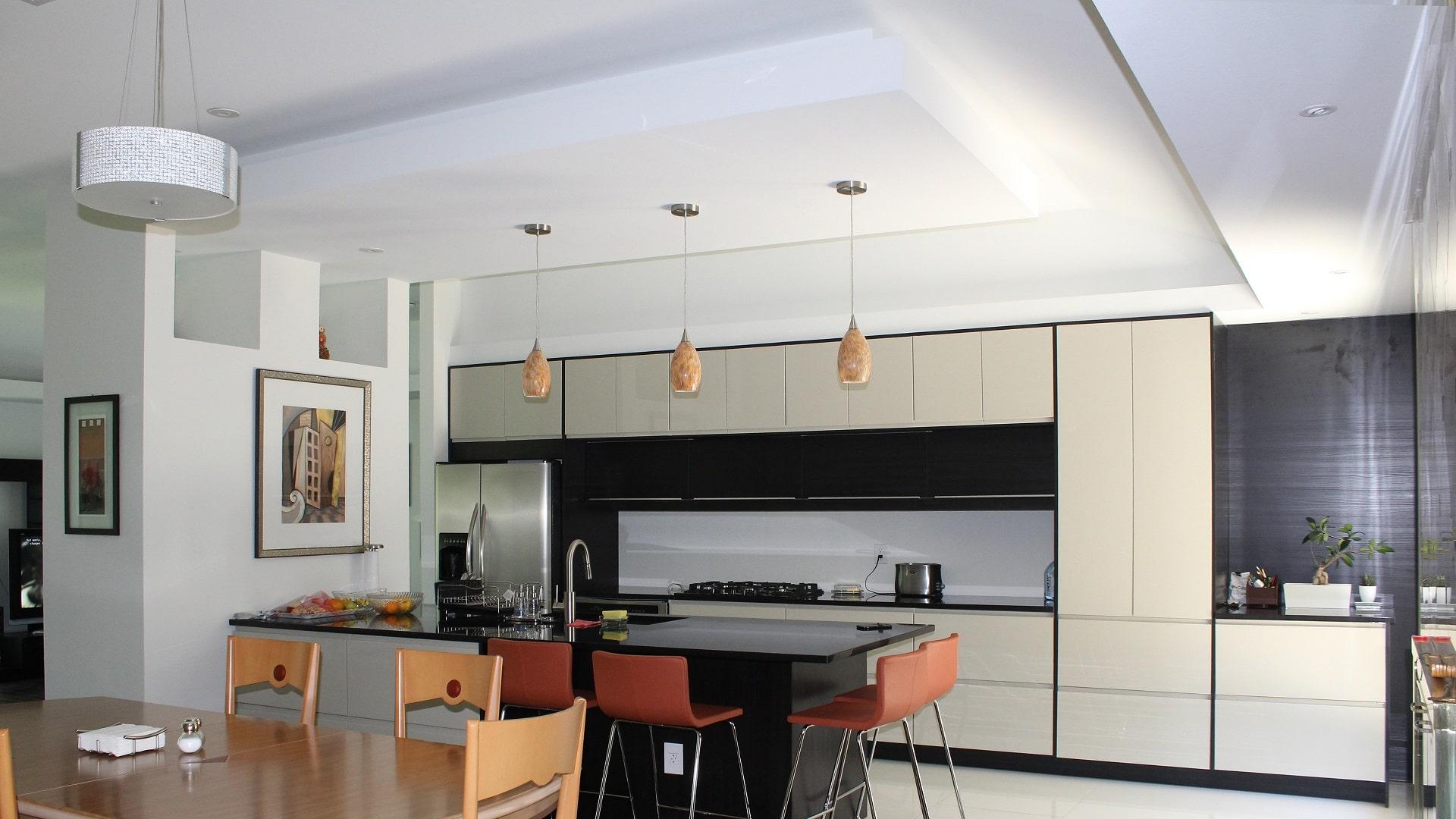 Интериорен Дизайн на Кухня и Всекидневна